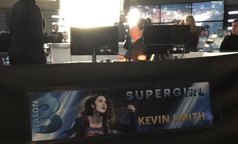 Kevin Smith comparte una foto desde el set de Supergirl