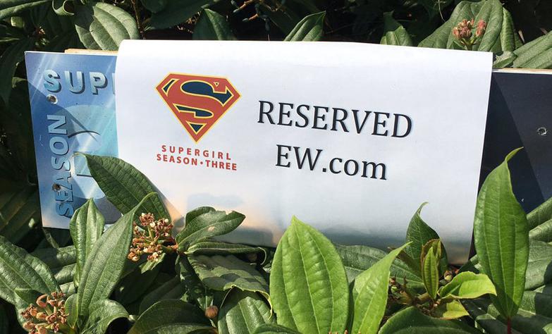 ¿Hoy abra entrevista desde el set de Supergirl?