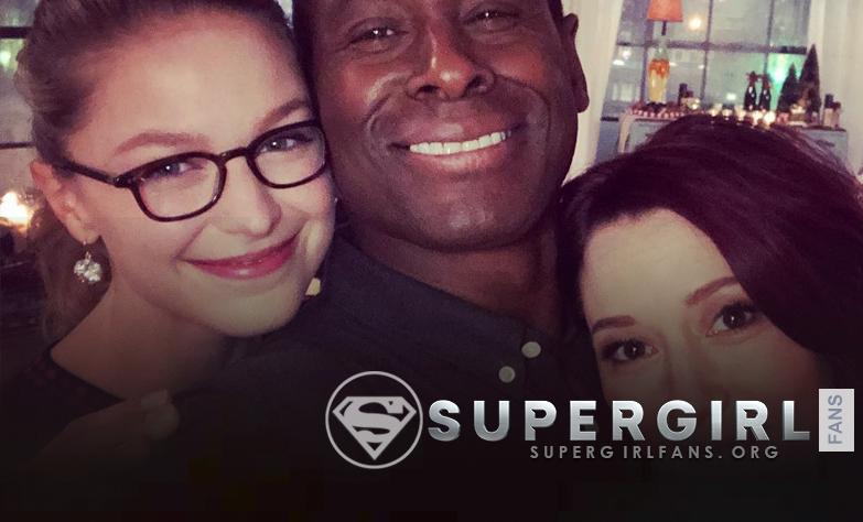 David Harewood nos comparte una nueva foto junto a Melissa Benoist y Chyler Leigh