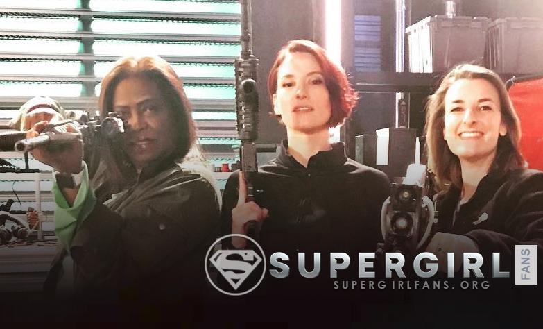 Chyler Leigh nos comparte una nueva foto desde el set de Supergirl
