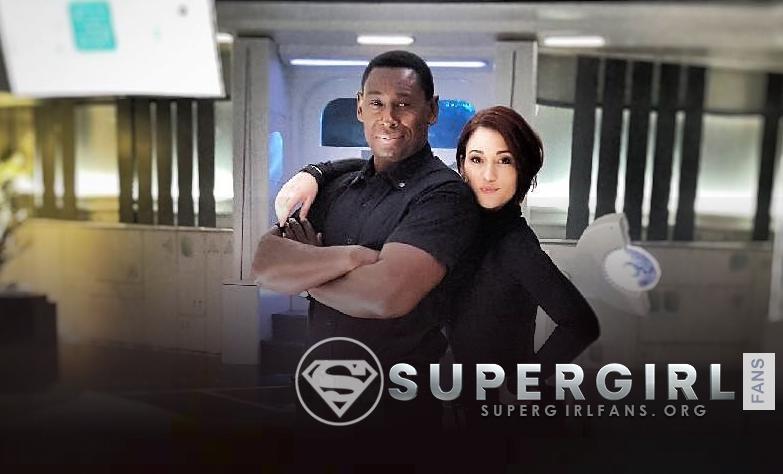Nueva foto de David Harewood y Chyler Leigh en el set de Supergirl