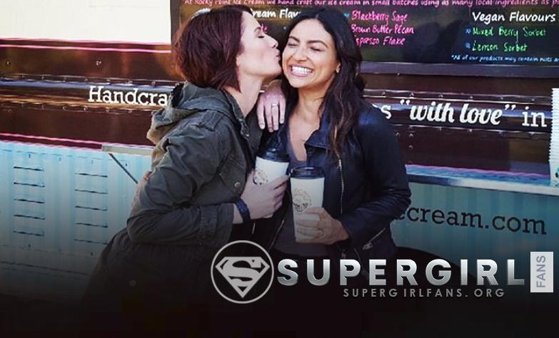 Nueva y antigua foto de Chyler Leigh y Floriana Lima en el set de Supergirl