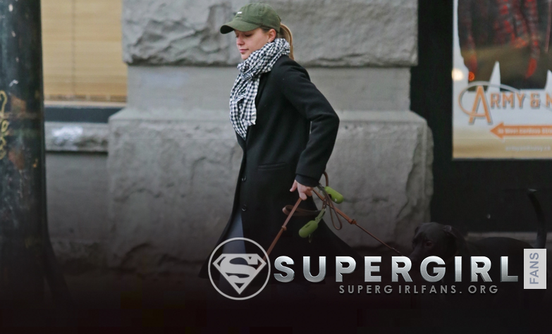 Fotos de Melissa Benoist en Vancouver (Diciembre 4)