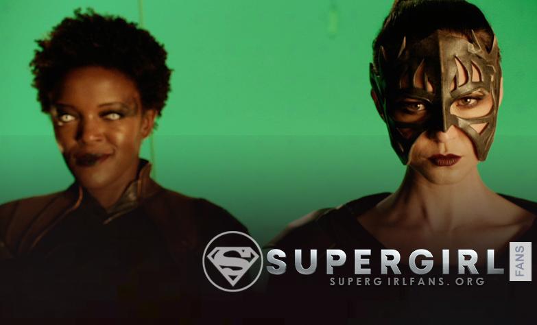 Nueva foto de Krys Marshall y Odette Annable en el set de Supergirl