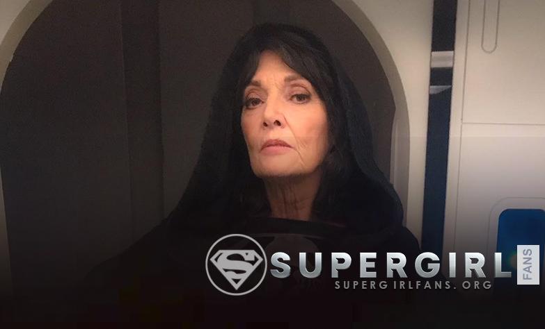 Sarah Douglas nos comparte una nueva y antigua foto desde el set de Supergirl