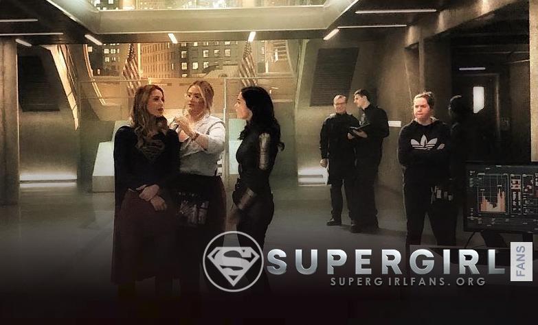 Nueva foto de Melissa Benoist y Amy Jackson en el set de Supergirl
