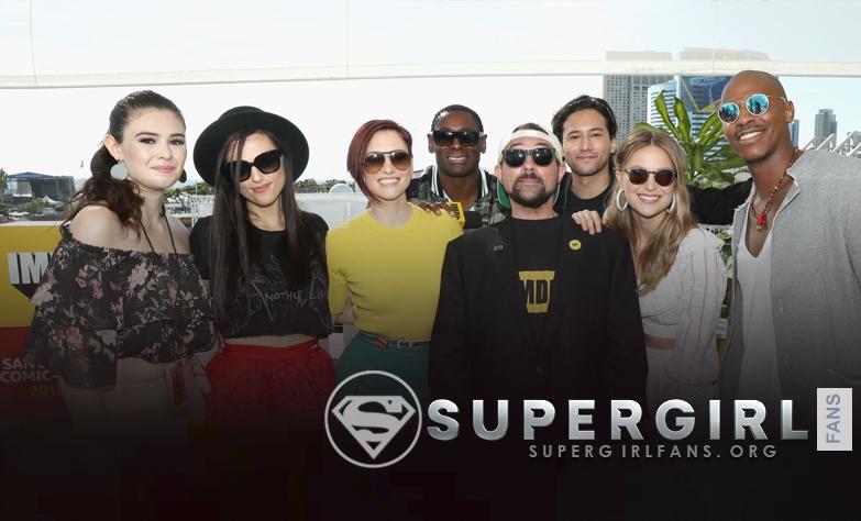 Fotos del elenco de Supergirl entrevista IMDBOAT en Comic Con 2018