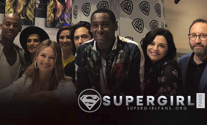 Fotos del elenco durante la firma de autógrafos en Comic Con 2018