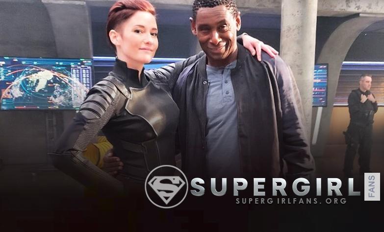 Nueva foto de Chyler Leigh y David Harewood en el set de Supergirl