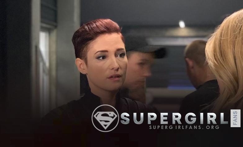 Nueva foto de Chyler Leigh y Melissa Benoist en el set de Supergirl