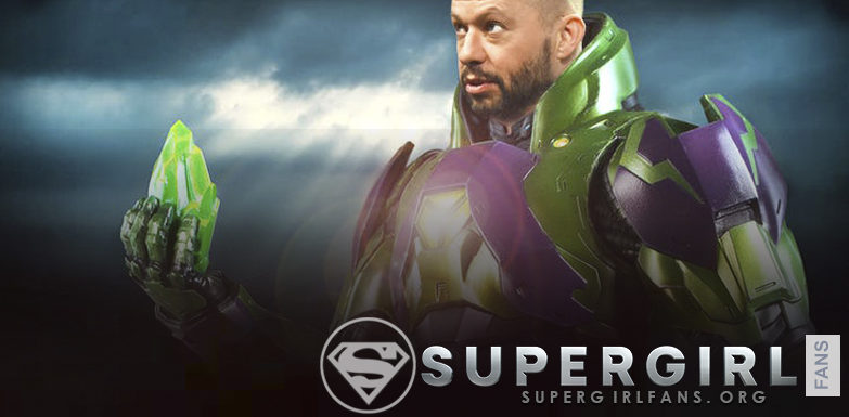 Jon Cryer da pistas sobre si Lex Luthor podría obtener su traje de poder