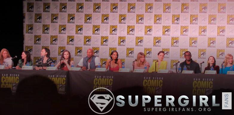 SDCC: Supergirl revela nuevo traje y anuncia nuevos miembros del reparto